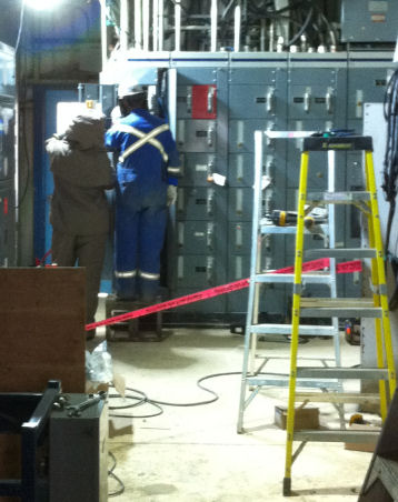 oil rig electrican rig electrician  as a part of the